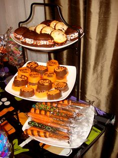 Whoopie Pies, Chocolate Covered Oreos & Pretzel Rods