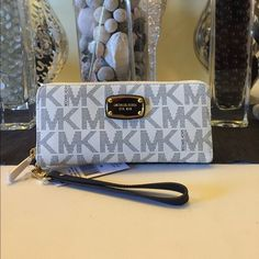 Michael kors travel continental wallet Brand new with tags 100% authentic white/ navy Michael Kors Bags Wallets