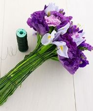 diy wedding flowers- this site has tons of how-to links for everything