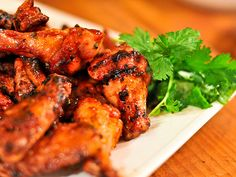Sriracha Hot Wings - this looks fantastic! I love hot wings. Carne Asada, Spit Roast Catering, Frango Chicken, Grilled Wings, Chicken Wing Recipes, Serious Eats, Tandoori Chicken, Grilled Chicken, Chicken Wings