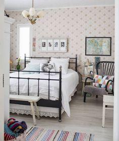 MELUKYLÄN TALO: makuuhuone