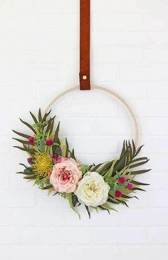 DIY Modern Summer Wreath