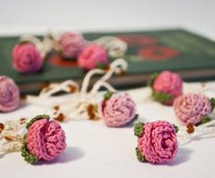 Floral Jewelry Crochet Rosebud Lariat Necklace Made to Order from BobbiLewin. Crochet Motifs, Crochet Flower Patterns, Knit Or Crochet, Crochet Crafts, Yarn Crafts, Crochet Projects, Knitting Patterns, Yarn Projects, Borboleta Crochet