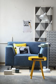 Geometric collection wallpapers from Cole & Son. Living Room Lounge, Home Living Room, Living Spaces, Yellow Home Decor, Yellow Interior, Cole And Son Wallpaper, Interior Architecture, Interior Design, Cozy Room