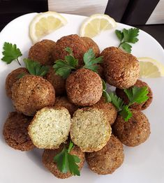 Falafel, Romanian Food, Arabic Food, Yams, Food And Drink, Vegetarian, Lunch, Vegan, Cookies