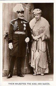 Mom told me that as a child, she remembered King George and Queen Mary.  That is why I always have a fondness for the couple that links back to my mother's memory.