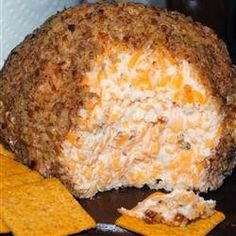 Buttermilk Ranch Cheeseball | This is one of our favorite appetizers for holidays.