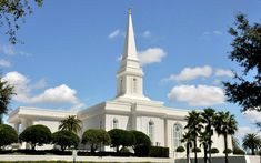 Orlando, Florida Temple Loved going there :) Mormon Temples, Lds Temples, Orland Florida, Hawaii Temple, Orlando, Temple Pictures, Church Architecture, Latter Day Saints, Kirchen