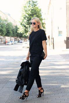 Basics in black : Chloe trousers, Zara heels #StreetStyle
