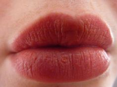 Home remedies for chapped lips Chapped Lips Remedy, Natural Home Remedies, How To Apply Makeup, Natural Medicine, Health, Exercises, Future, Awesome, Fitness
