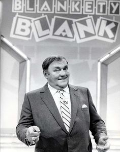 game show Blankety Blank with Les Dawson Les Dawson, Color Television, 70s Toys, Tv Show Games, Uk Tv, Tv Times, Vintage Tv, My Childhood Memories, Teenage Years
