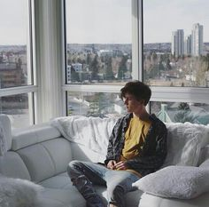 Crawford Collins ❤ 《Instagram》