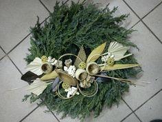 Fotogalerie » Dušičková vazba Nové [31/49] Door Wreaths, Grapevine Wreath, Funeral Flowers, Florists, Plants, Christmas, Home Decor, Xmas, Flowers For Funeral