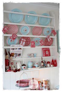VELKOMMEN HOS INDRETNING MED FARVER.: Jul i vores køkken...