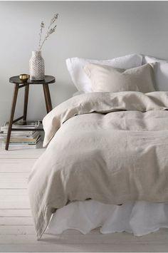 Sengesett Candice i vasket lin, 2 eller 3 deler Small Bedroom Inspiration, Cute Bedroom Ideas, Modern Bedroom Decor, Bedroom Inspo, Bedroom Sets, Tiny Bedroom Design, Teen Bedroom, European Bedroom, Winter Bedroom
