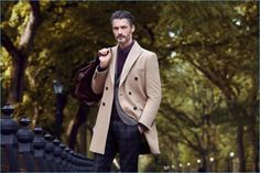 Lufian travels to New York for its fall-winter 2017 campaign. The fashion brand takes us to Central Park and Sutton Place for the occasion. There, we meet