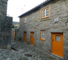 Castelo Novo - doors and windows