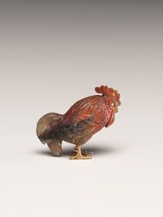 Fabergé rooster, 19th century. Agate with gold feet and diamond eyes.