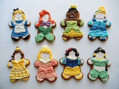 Disney Princess Gingerbread Cookies: If you have a princess who can't decide which princess is her favorite (who can?!) then these Disney Princess Gingerbread Cookies from Sugar Swings are perfect -- one for every kind of mood.