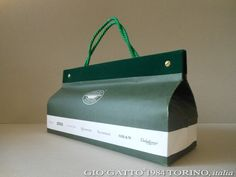 Mock up Paper Bag designed by GIO'GATTO®1984 TORINO, italia - prototipo di borsa di carta personalizzata - www.giogatto.com