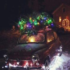 Last year we made this wonderful Christmas decoration on our yard: Christmastree on a car! #christmastree #christmas #oldcar #christmasillumination