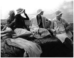 1920's fashion. I have carried this picture with me for years after tearing it out of a magazine for inspiration. Now I can Pin it.  Edward Steichen 1928