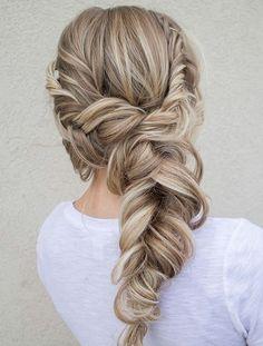 Side Swept Wedding Hairstyles - Deer Pearl Flowers / http://www.deerpearlflowers.com/wedding-hairstyle-inspiration/side-swept-wedding-hairstyles/