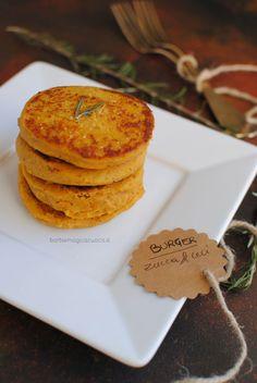 Burger di zucca e ceci - Best Pins italian Vegetarian Recipes, Cooking Recipes, Cooking Kale, Healthy Food Blogs, Healthy Recipes, Food Humor, Vegan Dishes, Dessert, Light Recipes