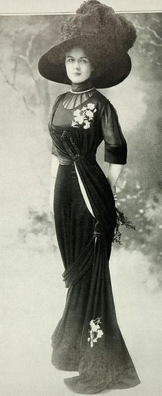 Les Modes (Paris) November 1909 robe. This dress would work today, minus the hat. Beautiful!