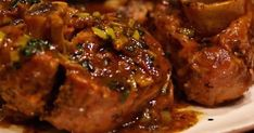 Osso buco with slow cooker – Easy recipe – Delicious recipe of Osso buco … - Recipes Easy & Healthy Osso Bucco Slow Cooker, Slow Cooker Pork, Slow Cooker Recipes, Cooking Recipes, Beef Shank Recipe, Osso Bucco Porc, Pork Recipes, Carne, Beef