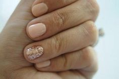 Nude and Rose Gold. Single Glitter Nail. #Christmas #thanksgiving #Holiday
