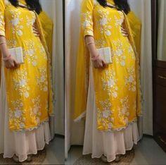 An absolute must have for your next event ! Kurta Designs, Blouse Designs, Indian Dresses, Indian Outfits, Boutique Suits, Indian Designer Suits, India Fashion, Sari, Modest Dresses