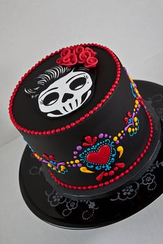 LOVE THE COLORS! Dia de los Muertos Birthday Cake - A day of the dead cake for a birthday. Madagascan vanilla bean genoise with a corresponding swiss meringue buttercream. Everything is entirely edible including the skull cutout on top. Halloween Torte, Bolo Halloween, Dessert Halloween, Crazy Cakes, Fancy Cakes, Cookies Fondant, Fondant Cakes, Cupcake Cakes, Amazing Cakes