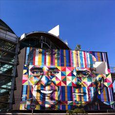 Street Art com graffiti  do Edurado Kobra na Fnac de Pinheiros, retratando Chico Buarque e Ariano Suassuna em São Paulo no Bairro de Pinheiros. São Paulo é umas das cidades com mais representatividade na arte de rua do Brasil.