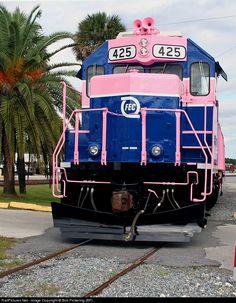 RailPictures.Net Photo: FEC 425 Florida East Coast Railroad (FEC) EMD GP40-2 at Jacksonville, Florida by Bob Pickering (BP)