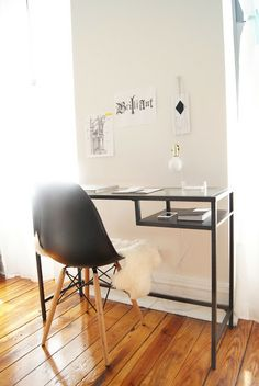 Cool Ikea Vittsjo Table Ideas To Rock In Different Spaces - DigsDigs Home Office Closet, Guest Room Office, Office Table, Small Space Office, Home Office Space, Desk Space, Fresco, Ikea Vittsjo, Home Desk