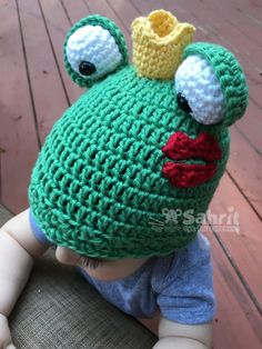Frog Prince Hat crochet pattern by eye for cuteness