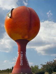They really do grow em' big in South Carolina. Gaffney's famous giant peach water tower next to I-85 (Circular polorizer & wide angle lens)