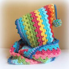 Free Crochet Hood Pattern ~ Look for Far More Plans for Great 43 Photos Free Crochet Hood Pattern to Get Distinctive Crochet Hooded Cowl Pattern All the Best Ideas Video Tutorial On Free Crochet Hood Pattern Crochet Hooded Cowl, Poncho Au Crochet, Crochet Beanie, Crochet Scarves, Cute Crochet, Crochet Crafts, Yarn Crafts, Crochet Yarn, Crochet Clothes