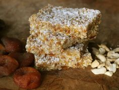 Incredibly Edible: Raw Apricot Cashew Energy Bars