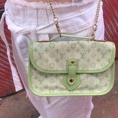 purses and handbags designer pink Look Fashion, Fashion Bags, Fashion Accessories, Aesthetic Bags, Aesthetic Women, Daphne Blake, Accesorios Casual, Style Vintage, Cute Bags