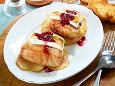 Unser beliebtes Rezept für Überbackene Schnitzel mit Camembert und mehr als 55.000 weitere kostenlose Rezepte auf LECKER.de.