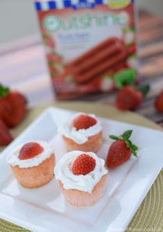 Strawberry Angel Food Cupcakes Recipe - a healthier/lower calorie option #Outshine #sp