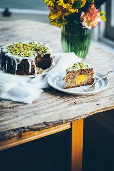 Sezamowe ciasto ucierane z brzoskwiniami i makiem - sesame sponge cake with peaches and poppy seeds   Gotuje, Bo lubi
