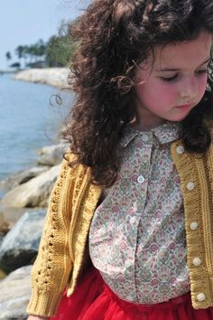 cardigan, floral top #modestbeauty