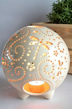 Most current Totally Free Ceramics Art candle holders Tips Libelle-Lampen Keramik Windlicht Libelle Geschenk Ideen Ceramic Lantern, Ceramic Candle Holders, Tea Candle Holders, Candle Lanterns, Diy Candles, Candleholders, Ceramic Pottery, Ceramic Art, Cerámica Ideas