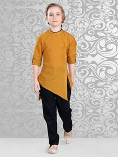 Shop Plain brown cotton designer festive wear kurta suit online from India. Kids Kurta, Kurta Men, Kids Party Wear Dresses, Kids Dress Wear, Stylish Little Girls, Stylish Kids, African Men Fashion, Kids Fashion, Ethnic Fashion