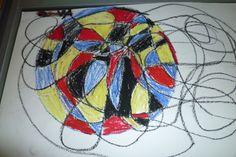 Krongelimondriaan: eerst de krongelidong, een cirkel maken (bord omtrekken) om een mooi stukje en invullen met rood, geel, blauw, zwart en wit.
