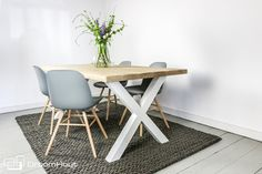 Lente in je huis!   Wooninspiratie door DroomHout   Tafel Barcelona X poot   Zuiver Abert Kuip stoelen