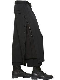 Risultati immagini per yohji yamamoto jacket Fashion Details, Look Fashion, Womens Fashion, Fashion Design, 70s Fashion, Modest Fashion, Winter Fashion, Fashion Tips, Fashion Trends